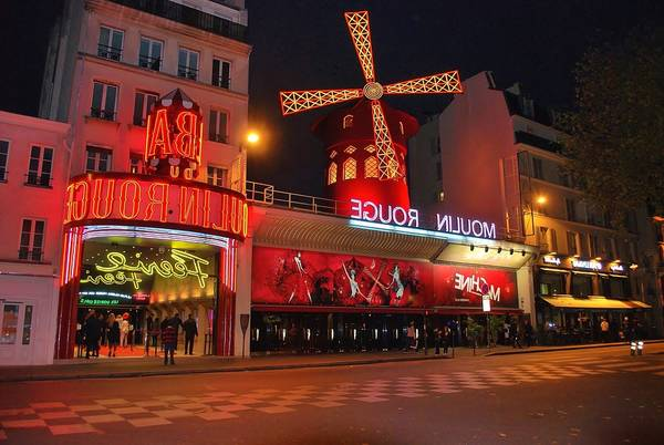 boutique du moulin rouge rue lepic paris