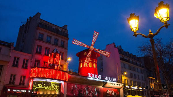 hotel paris pres du moulin rouge